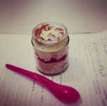 Overnight oats with chia, raspberries, peanut butter and almond flakes